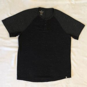 American Eagle Men's SS Active Flex Henley Sz L